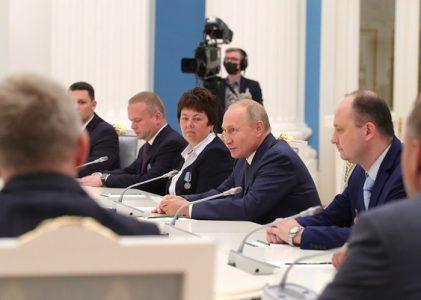 Президент РФ В. Путин поздравил работников атомной промышленности с профессиональным праздником